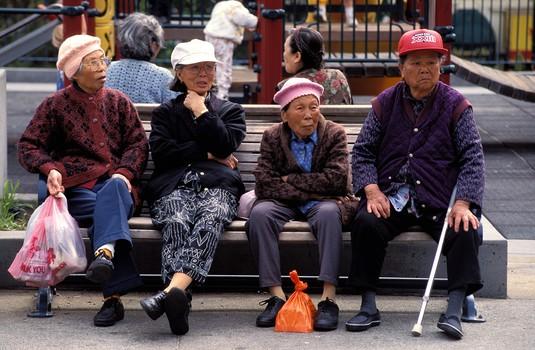 欧神:交出100万的房子养老,每月领多少钱才划算?